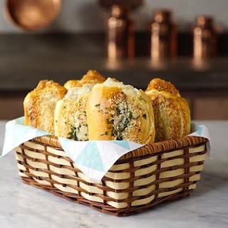 Garlic Bread Stuffed With Chicken.