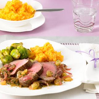 Rinderfilet mit Traubensauce und Rosenkohl