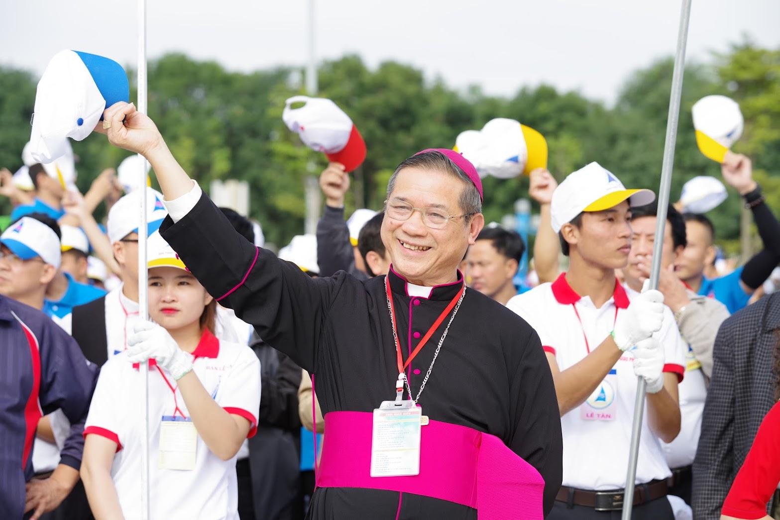 Những hình ảnh đẹp về lễ khai mạc Đại Hội Giới Trẻ giáo tỉnh Hà Nội lần thứ XV tại Thanh Hóa - Ảnh minh hoạ 27