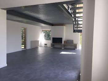 Propriété 230 m2