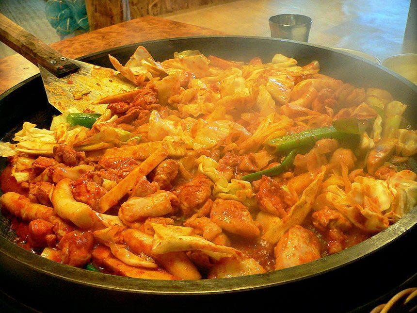 Dakgalbi (Pan Fried Chicken)