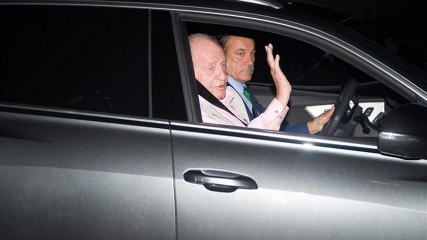 El Rey Juan Carlos llega a la Clínica Quirón.