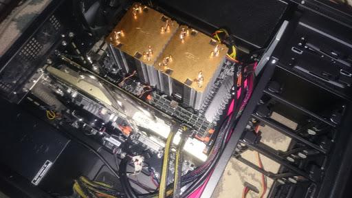 x79マザーボードの自作PC