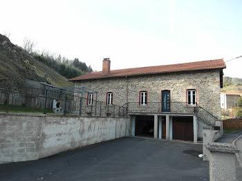 maison à Saint-Sauveur-en-Rue (42)
