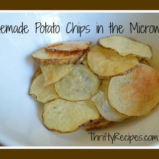 Homemade Healthy Potato Chips in Your Microwave.