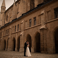 Wedding photographer Simona Toma (JurnalFotografic). Photo of 30.09.2019