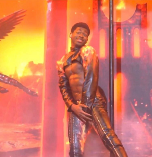 WEEKEND GIGS: Lil Nas X's Huge 'SNL' Wardrobe Malfunction & Face Lick + SZA & Doja, H.E.R, Migos, Alicia Keys & More Hit The 2021 BBMAs Stage