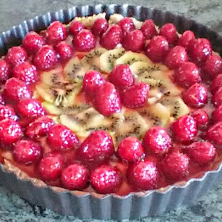 Rasberry And Kiwi Tart