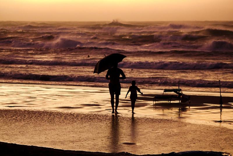 """Insieme sotto una """"pioggia solare"""" di LaMony"""