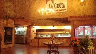 Restaurante La Gruta está abierto de martes a domingo.