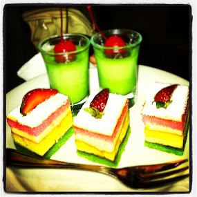 Rainbow cake by Hari Darmawan - Instagram & Mobile iPhone ( cake, rainbowcake, instagood, iphone4, iphonesia, iphoneography, food )