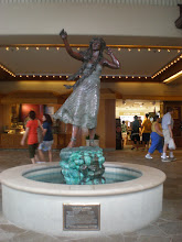 Photo: Statue of Iolani Luahine, a renowned hula dancer