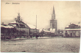 Photo: Mitava, Turgaus aikštė. Šv.Trejybės liuteroniška bažnyčia, veikusi iki 1944m. Pradėta statyti 1574m., pašventinta 1615,  varpinę pastatė vėliau – 1688m.   Tai pirmas akmeninis pastatas Jelgavoje, laikomas vienu iš pirmųjų akmeninių liuteroniškų bažnyčių Europoje. Buvo didžiausia bažnyčia Žiemgaloje.