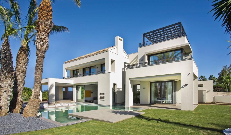 Seaside villa with pool Marbella