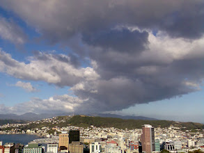 Photo: A dry southerly change moves into Wellington - 3:33pm, 7-Jun-07