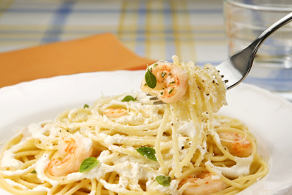Espaguete com Ricota e Camarão