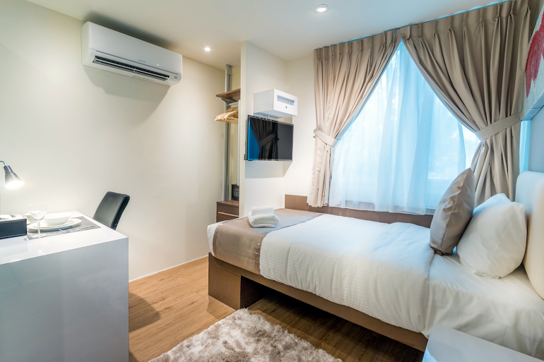 Studio apartment at South Bridge Apartments, Orchard Road