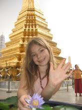 Photo: Stella mit Lotusblüte im Königspalast in Bangkok