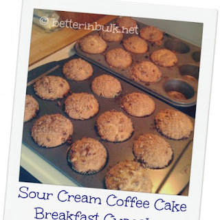 Sour Cream Coffee Cake Breakfast Cupcakes.