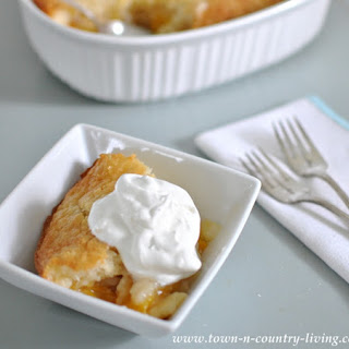 Super Simple Peach Cobbler.