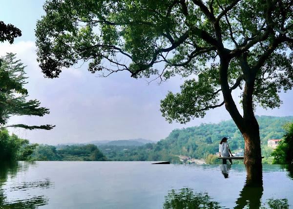 峨眉二泉湖畔咖啡,重遊舊地可惜綠池落盡青山瘦
