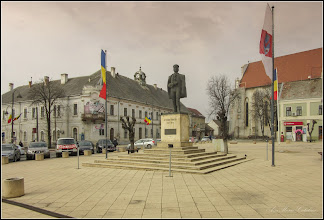 Photo: Turda - Piata Republicii - Statuia lui Avram Iancu, Erou al Natiunii Romane    - 2019.03.01