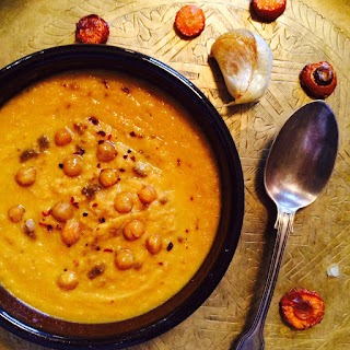 Roasted carrot, chickpea and garlic soup, 26p (VEGAN).
