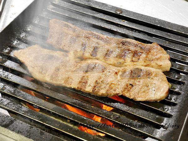 燒桶子 韓風立燒 汽油桶韓式烤肉 貼心桌邊服務 生日優惠 東區韓式燒烤 @范范愛分享