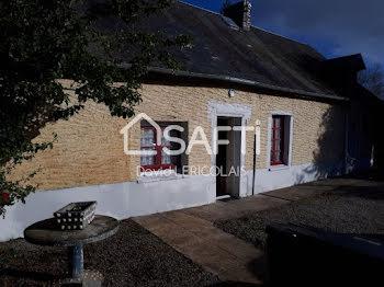 maison à Saint-Sébastien-de-Raids (50)