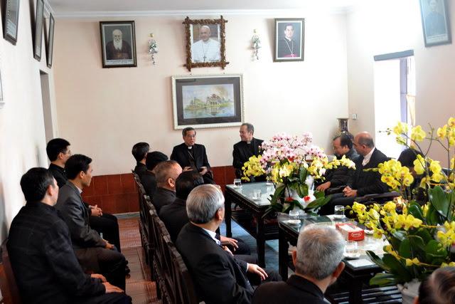 Phái đoàn Bộ Ngoại Giao của Tòa Thánh thăm Giáo phận Phát Diệm - Ảnh minh hoạ 2