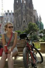 """Photo: zdjęcie Ani : """" Ania, rower i la Sagrada Familia w Barcelonie """""""