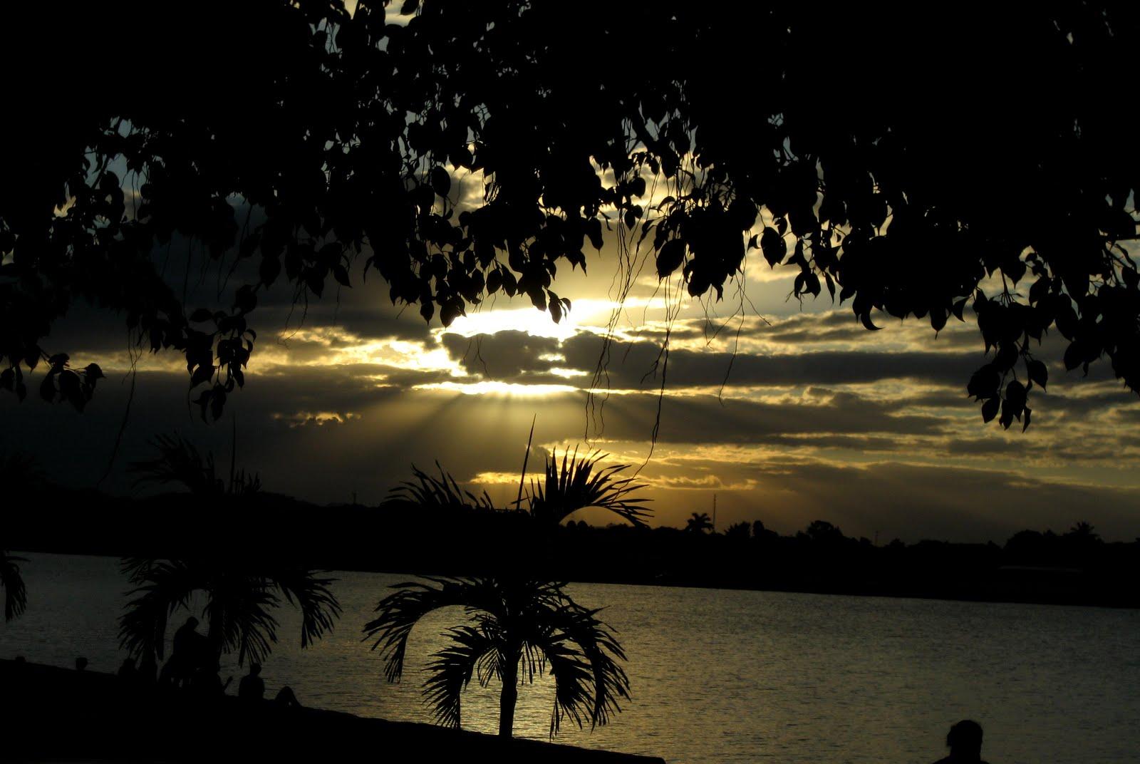 Photo: Puesta de sol en Flores