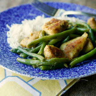 Easy Garlicky Chicken and Green Bean Skillet