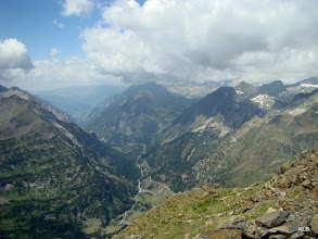 Photo: Desde la cima del Salvaguardia, El Valle de Benasque.