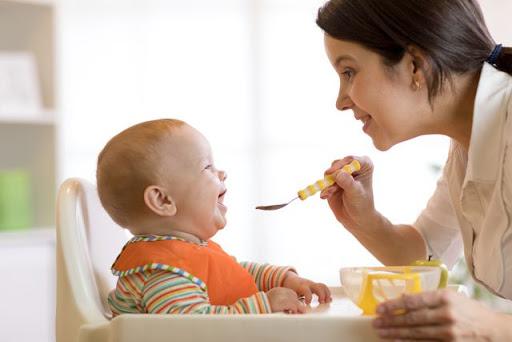 Hướng dẫn cách cho con ăn dặm khoa học ngay từ lần đầu tiên