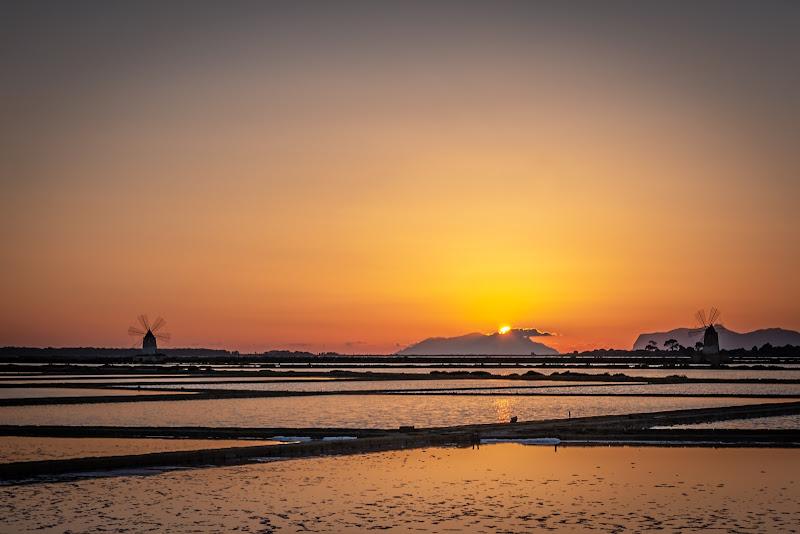 Saline al tramonto di Andrea Corsi