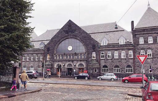 Bergen-Railway-Station.jpg - Bergen Station, the main railway station, connects to Oslo and other destinations.