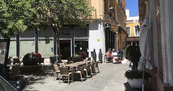 El paro baja en todas las provincias de España menos en Almería