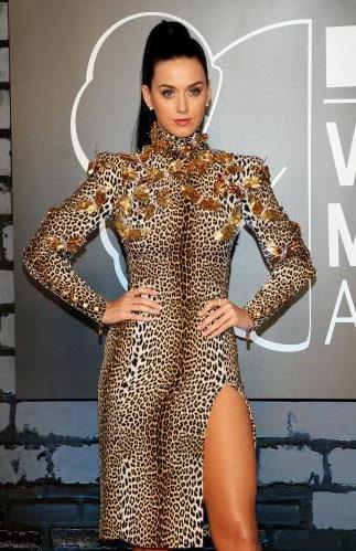 Yabancı Ünlü Kadınların Boyları - Katy Perry
