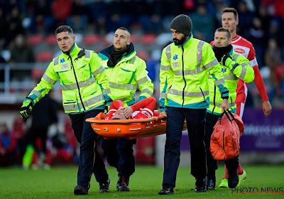 """Vrees voor enkelbreuk bij Mohamed na aanslag van Carcela: """"Hoop dat hij heel lang geschorst wordt"""""""