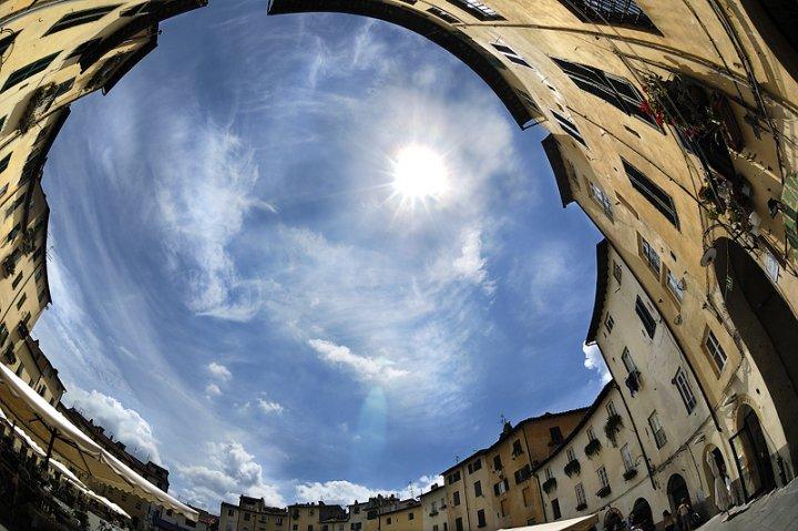 """""""O"""" come piazza dell' amfiteatrO di andras gyorosi"""
