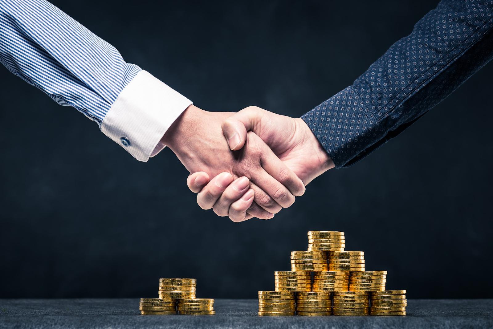 Tiền chi tiêu cho giao dịch thúc đẩy kinh tế phát triển