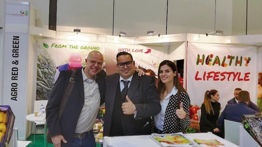 Carlos Glindemann con Mayte Aguilera y Paul Aarts, uno de sus clientes más fieles.