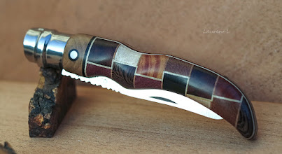 Photo: #opinel_custom en assemblage de carrelets de bois précieux.