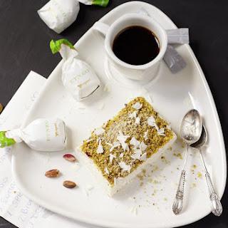 Pistacchio Parfait with White Chocolate.