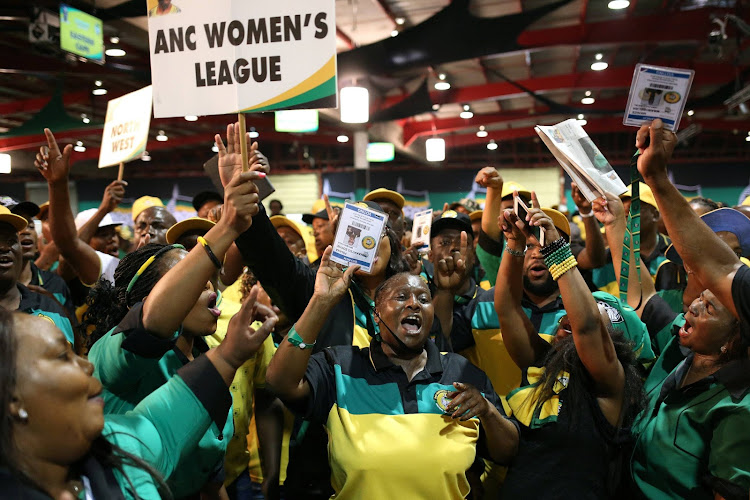 ANC members chant slogans at the 54th National Conference of the ruling African National Congress (ANC) at the Nasrec Expo Centre in Johannesburg, South Africa December 16, 2017. Image: SIPHIWE SIBEKO/REUTERS