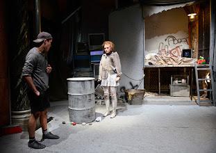 """Photo: WIEN/ Burgtheater/ Vestibül:  """"FAMILIENGESCHICHTEN.BELGRAD"""" von Biljana Srbljanović, Inszenierung; Annette Raffalt. Premiere am Donnerstag, 23. April 2015. Copyright: Barbara Zeininger"""