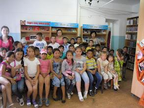Photo: Жазғы –сауықтыру лагерінің  балалары кітапханаға  экскурсия жасап, өте кызықты іс-шараға қатысты