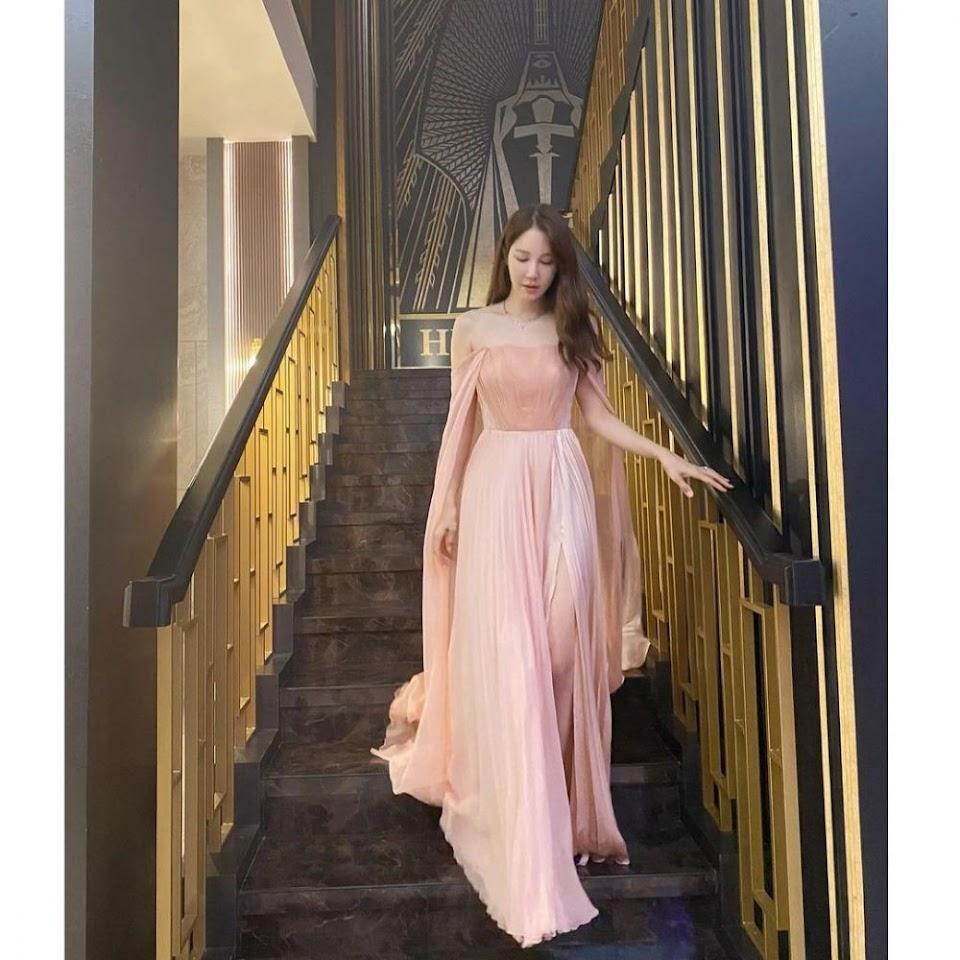 shim su ryeon pink dress