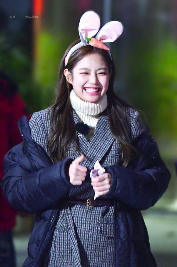 blackpink jennie heart flutter 4